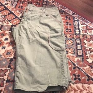 Army green cargo shorts size 14p